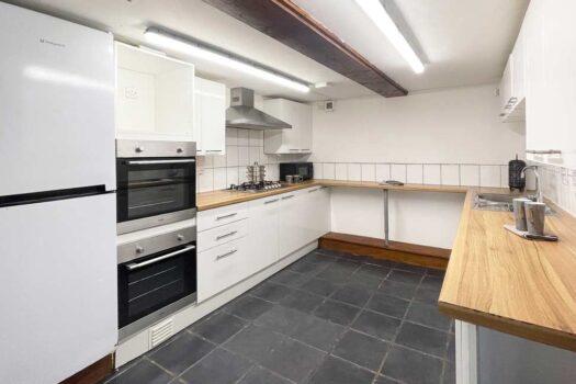 8 bedroom student house, Britannia Road North (1), Portsmouth- kitchen
