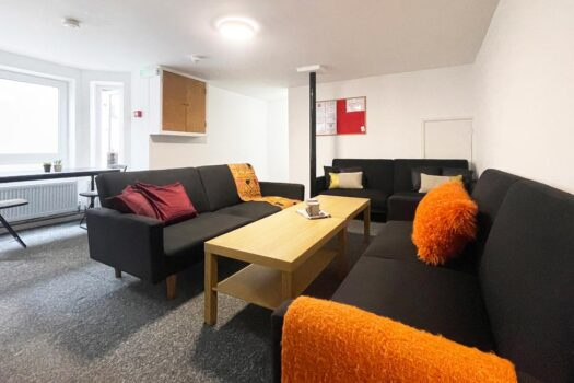 8 Bedroom student house to rent - accommodation for students in Portsmouth - Britannia Road North 2 - living room