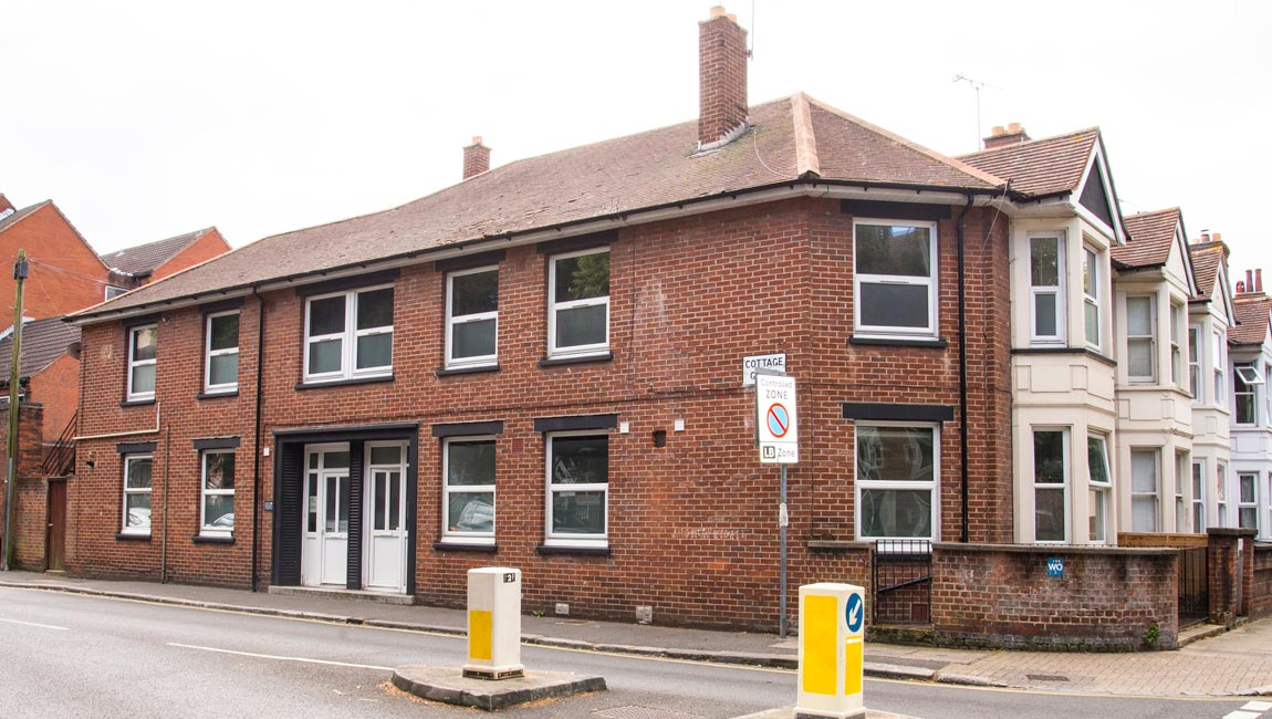 4 bed student flat to rent, Portsmouth - Cottage Grove near Portsmouth University - exterior