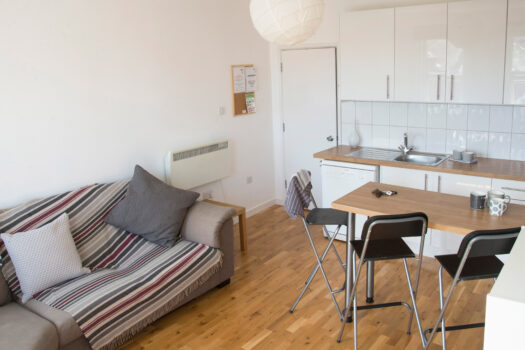 St Andrews Road 2 bedroom student rental accommodation near Portsmouth University - living room