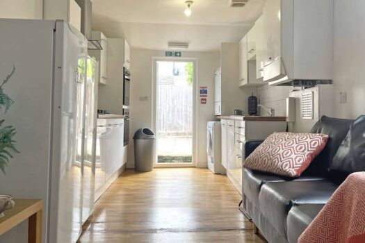 Pains Road (3), Portsmouth, PO5 1HE – 6 Bed House Student