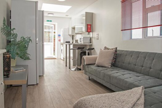 7 bed student house to rent, Portsmouth - Hudson Road near Portsmouth University - living room